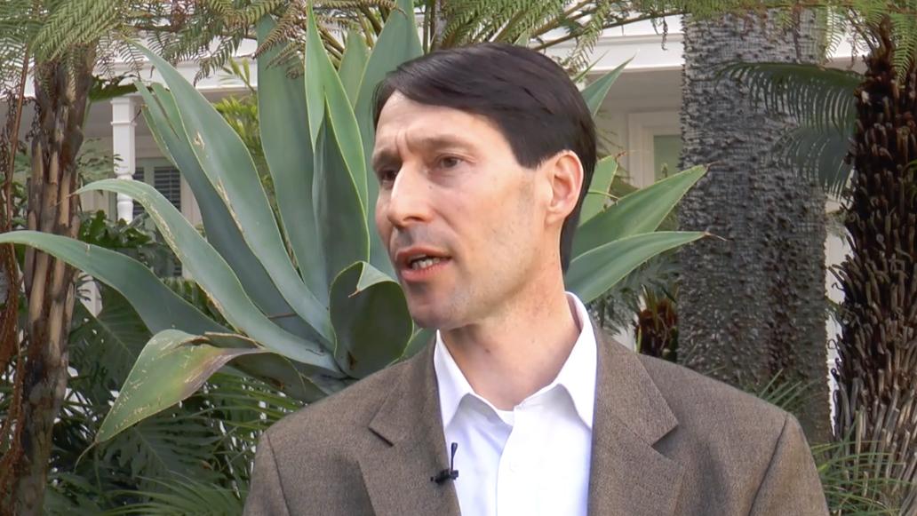 Dr. Jonathan Myers